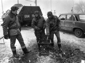 milicja i czołgi stan wojenny_0